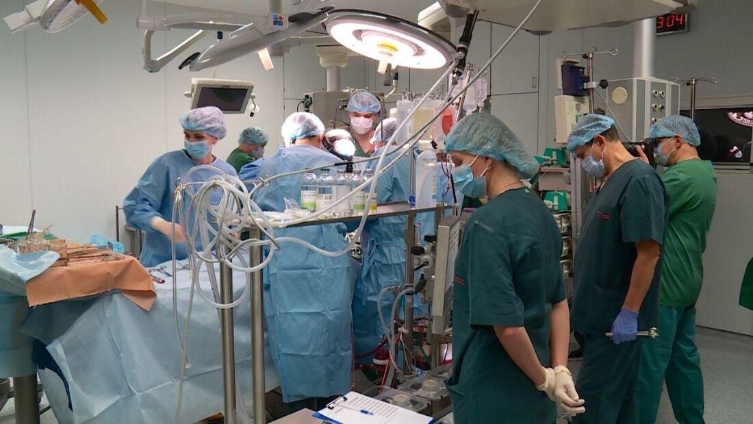Під час операції з трансплантації серця