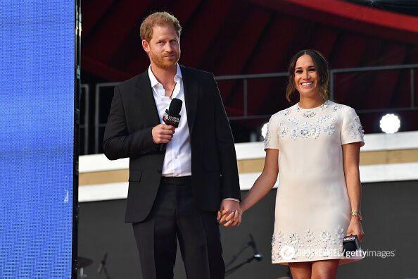 Принц Гарри и Меган Маркл призывают защищать экологию.