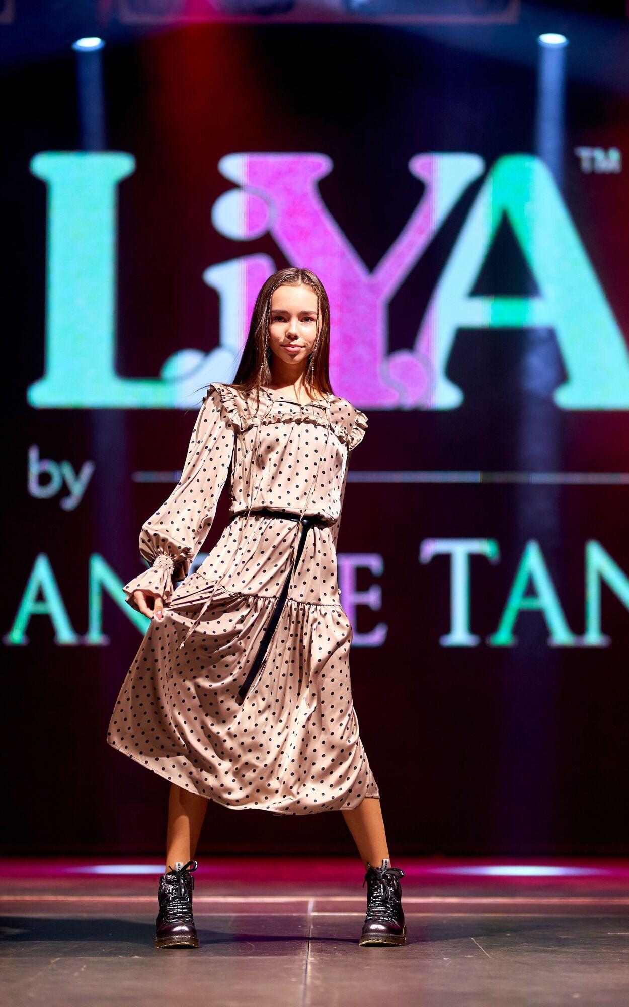 Дизайнер розробив підліткову колекцію одягу Andre Tan Easy