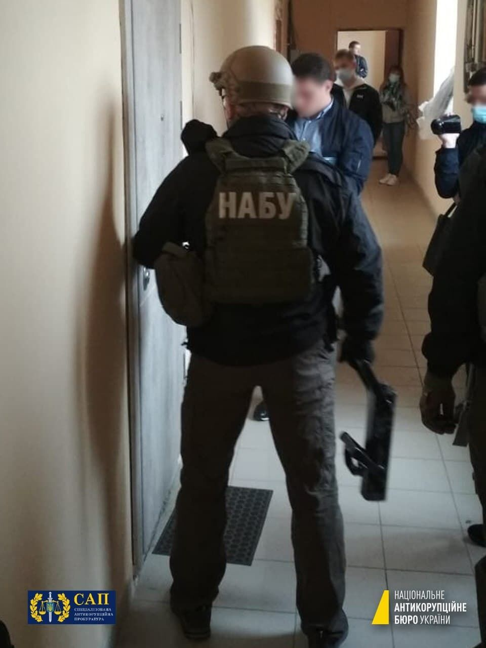 Обыски проводят НАБУ и САП.