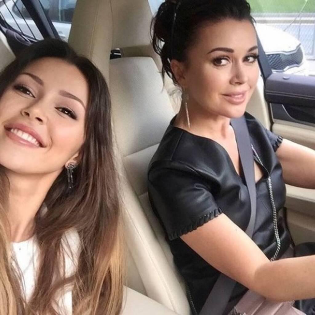 Актриса Анастасія Заворотнюк та її донька Анна