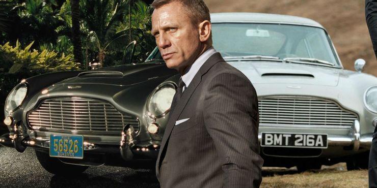 Фирменный автомобиль Бонда – Aston Martin DB5