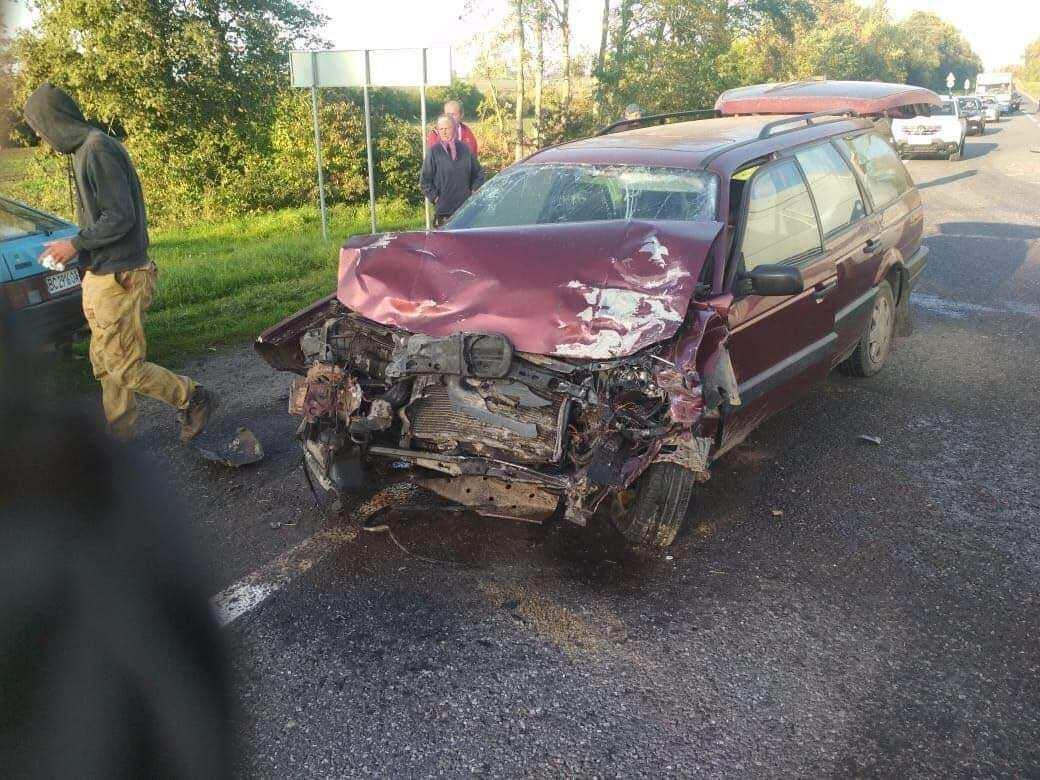 В аварии пострадали пассажиры и водитель.