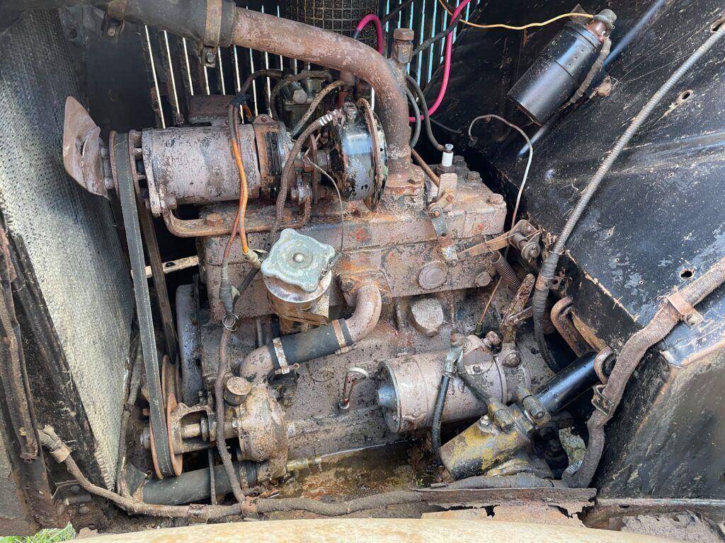 Двигатель объемом 1,1 литра и мощностью 23 лошадиных силы.