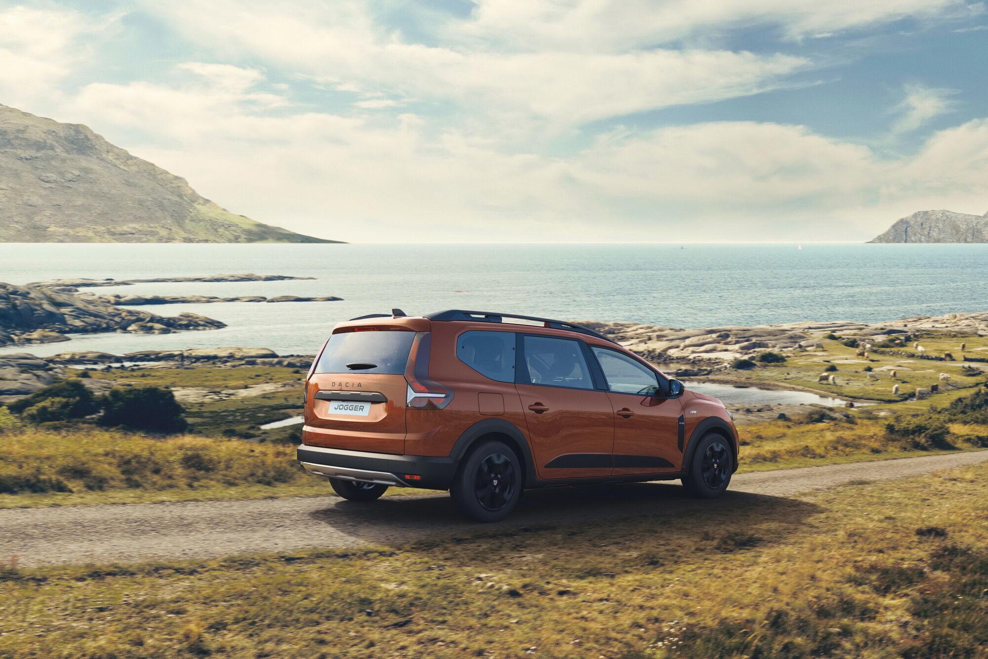 Замовлення на Dacia Jogger почнуть приймати в листопаді, а у дилерів новинка з'явиться в лютому майбутнього року