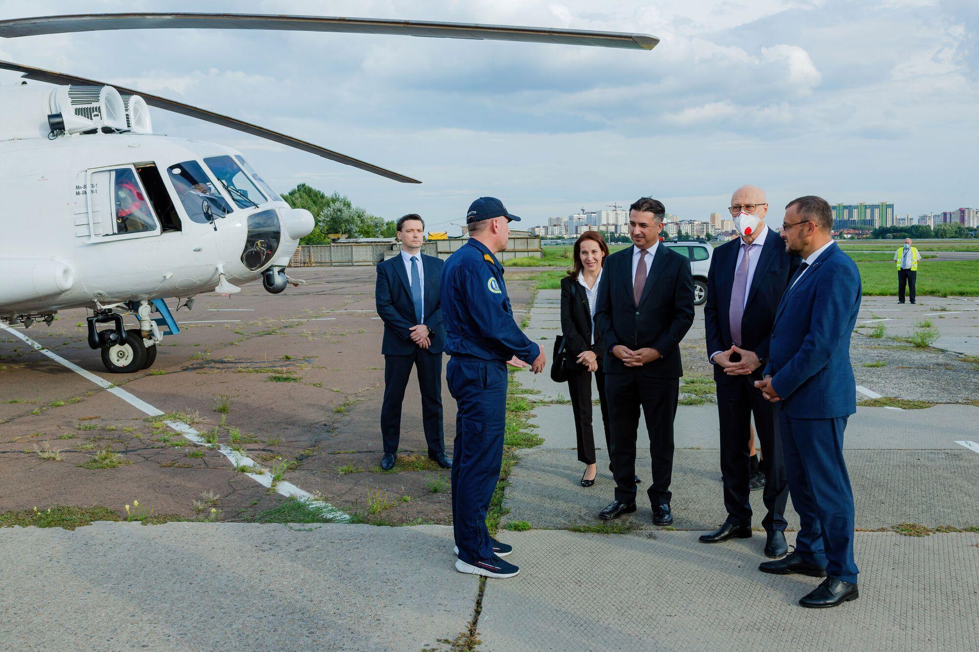 В Украину вернулись первые два из четырех вертолетов, отправленных на борьбу с пожарами в Турции