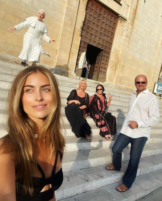 Софія Ротару та її сім'я в Італії