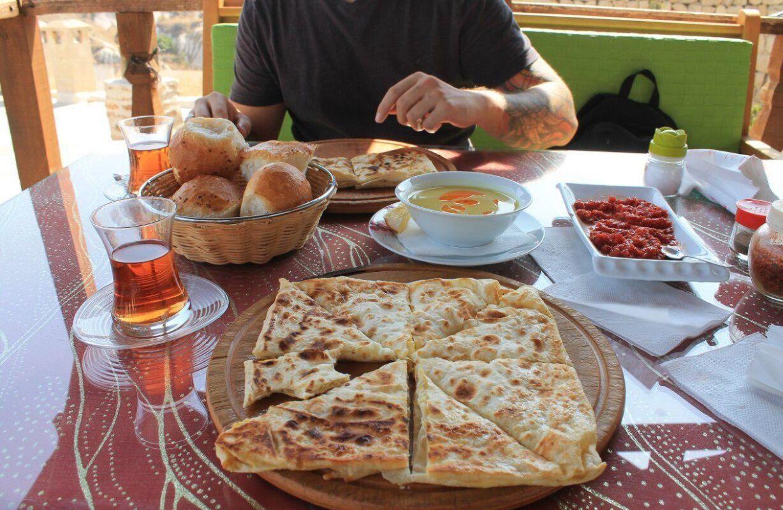 В Черногории можно питаться как и фастфудом, так и комплексными обедами