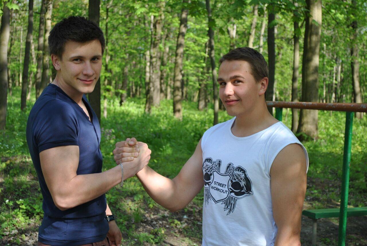 Был приветливым и доброжелательным (Дмитрий справа)