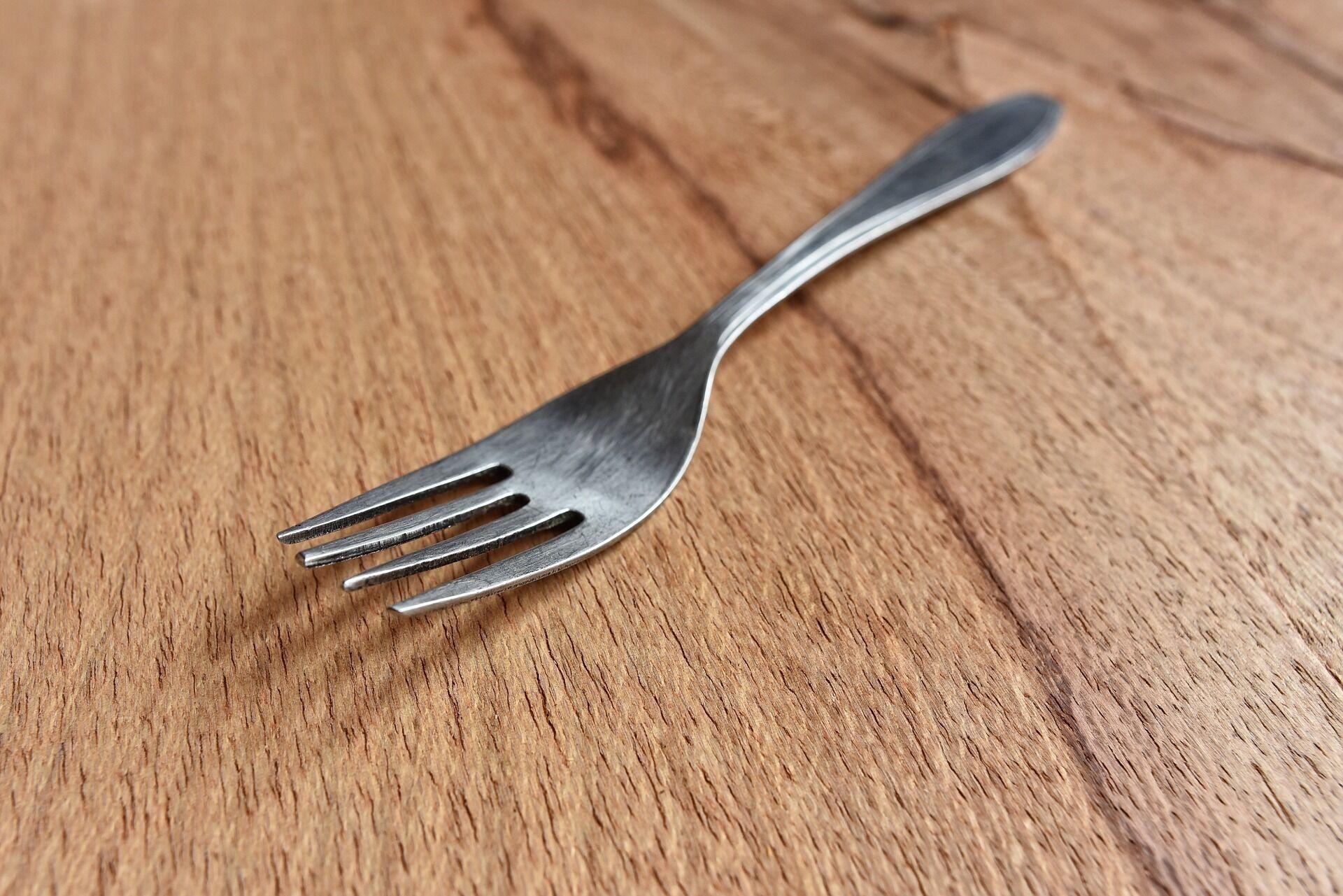 Якщо впала виделка зі столу