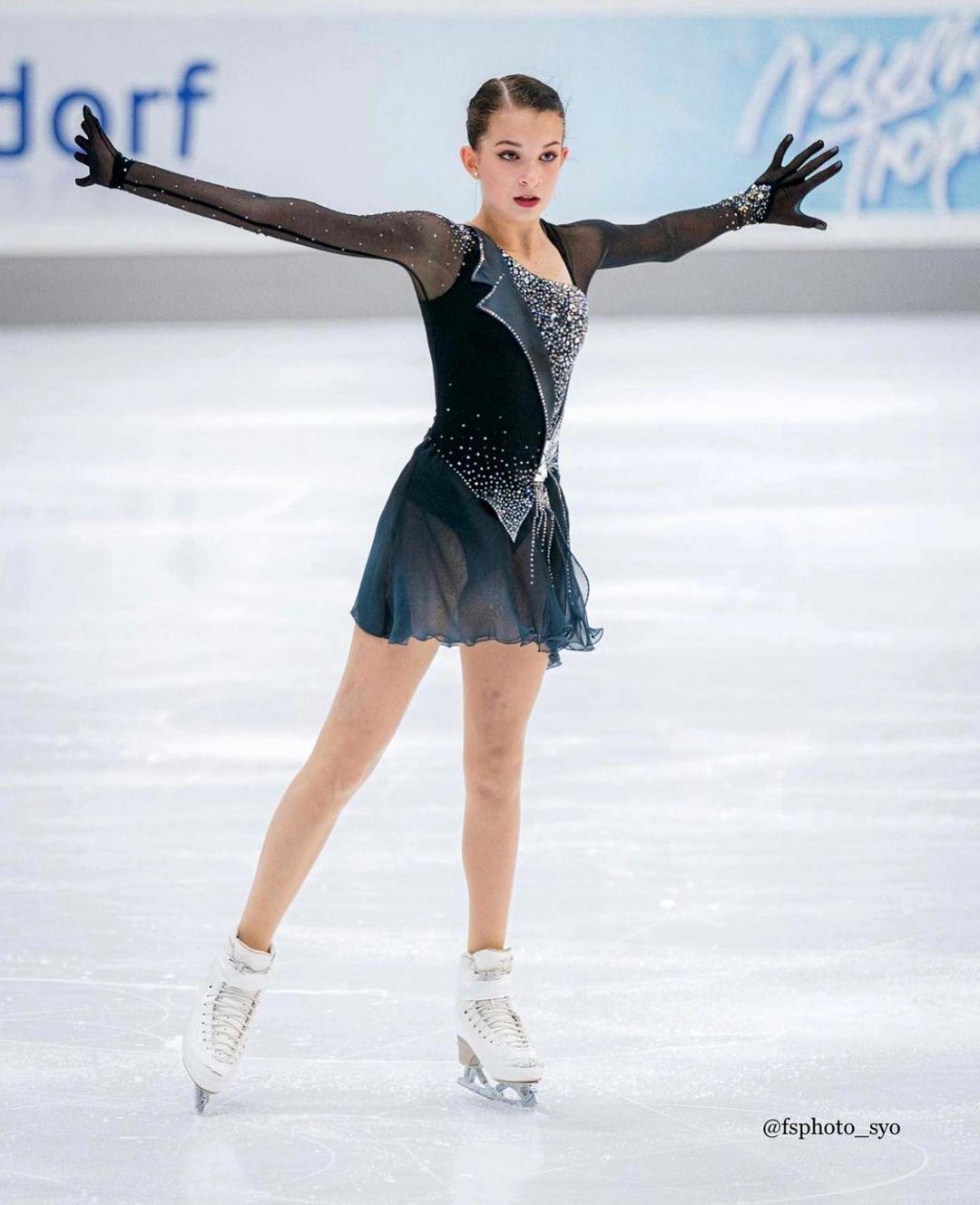 """Московская фигуристка, которую выжили из России, принесла Украине олимпийскую лицензию. """"В рф необходимо принимать допинг"""" 1"""
