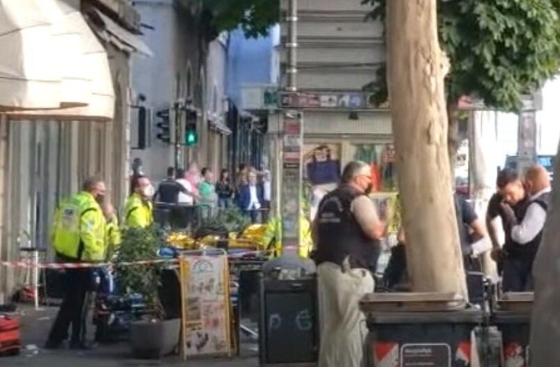 На месте работала полиция.