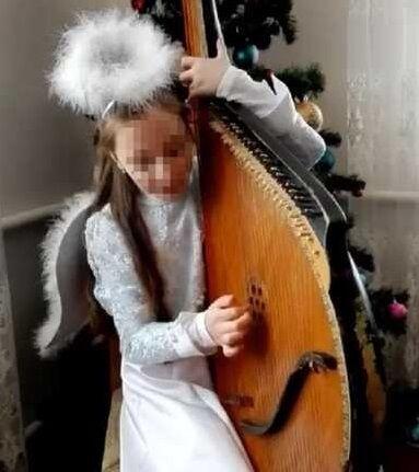 10-річна Таня займалася в музичній школі.