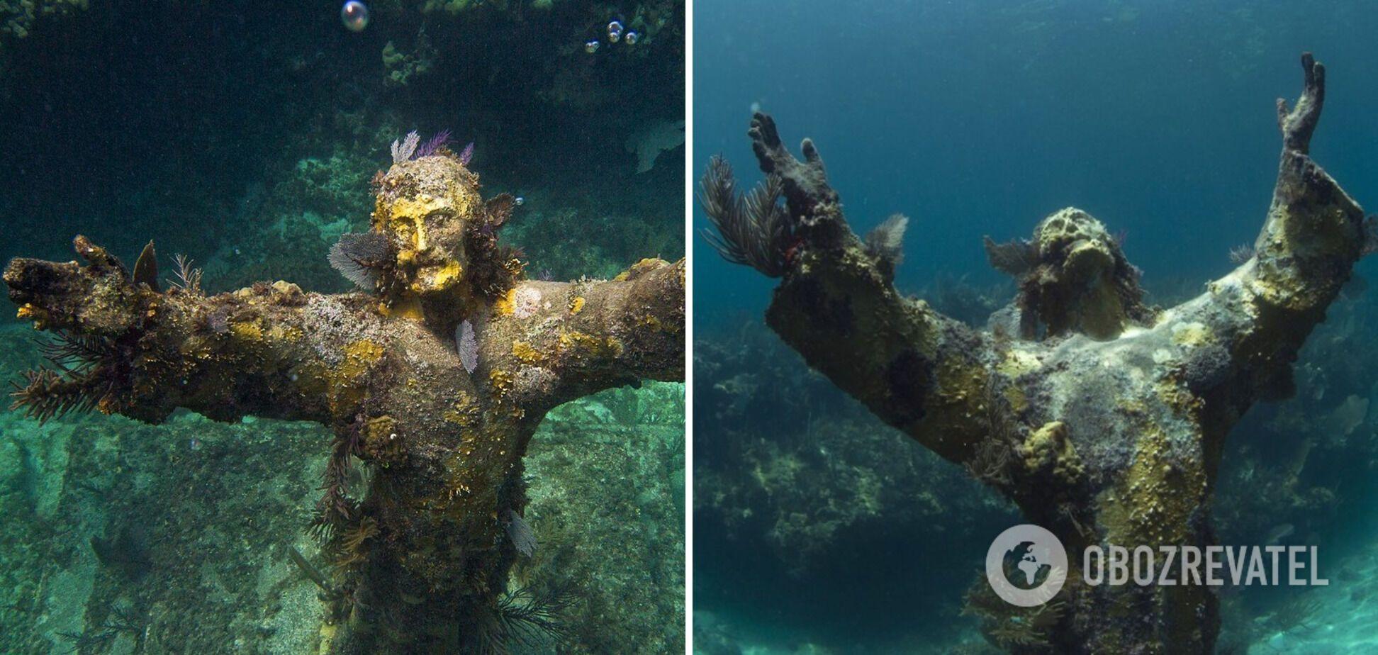 """Статуя """"Христос из Бездны"""" лежит на дне моря в Италии."""