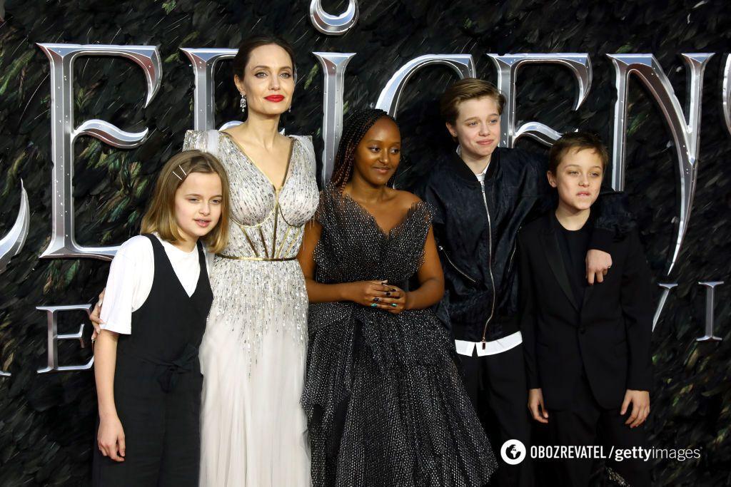 Акторка хоче, щоб її сім'я налагодила стосунки з батьком Піттом