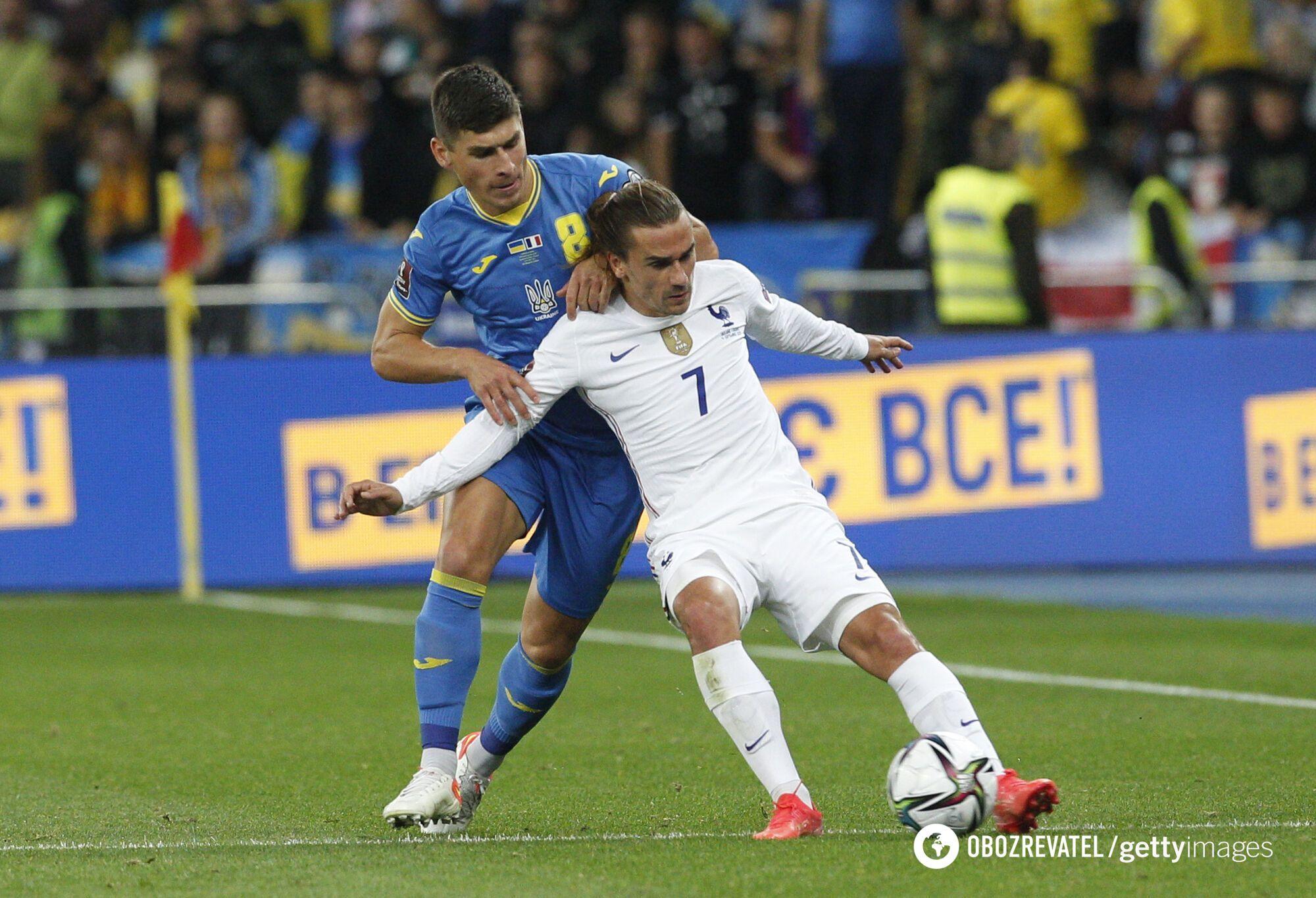 Малиновський в матчі з Францією.
