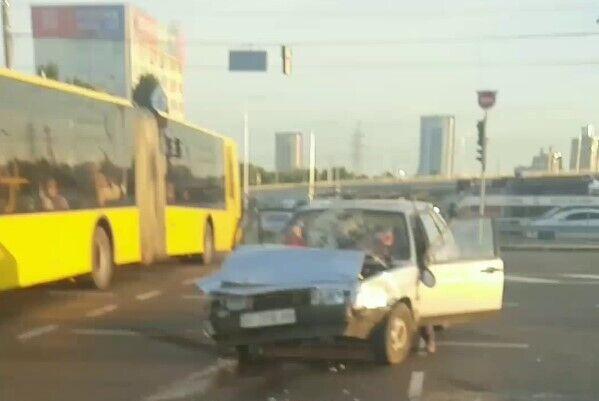 У ДТП постраждали двоє пасажирів Лада.