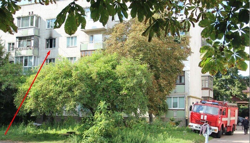 Пожежники приїхали до будинку на вул. Степана Бандери в Житомирі