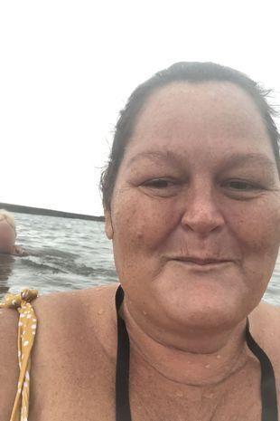 Женщина начала заниматься плаванием