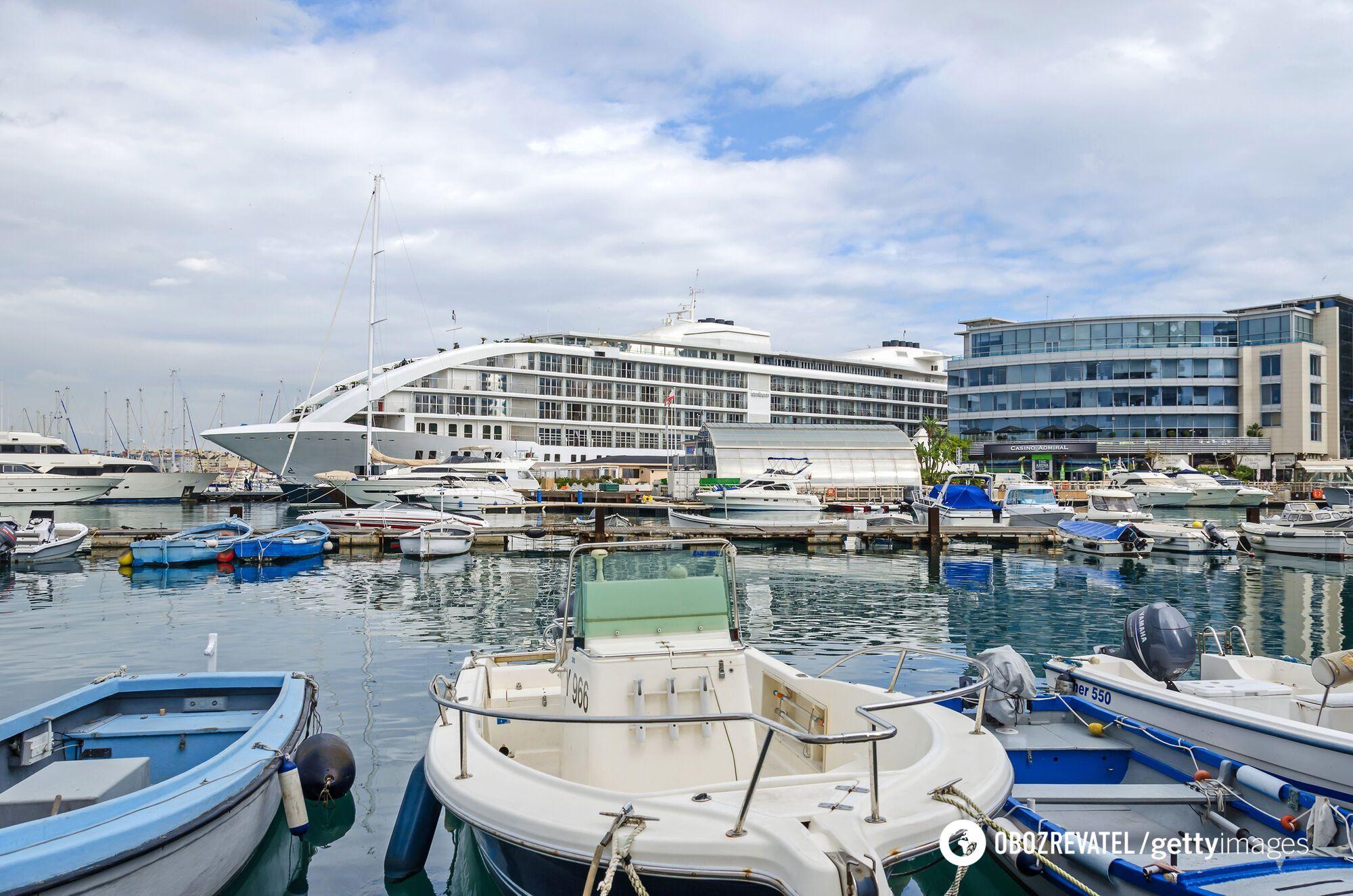 """Казино """"Адмирал"""", Гибралтар."""