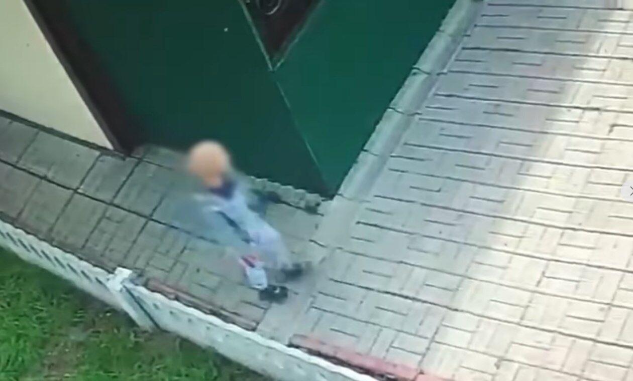 Хлопчик вирішив не йти додому