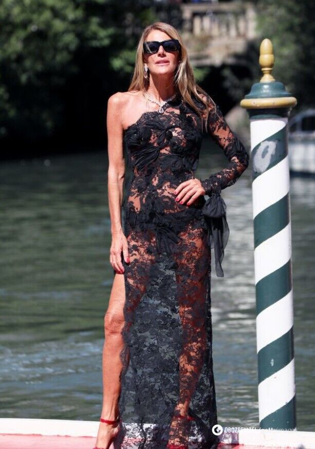 Анна Делло Руссо в прозрачном наряде от бренда Ermanno Scervino