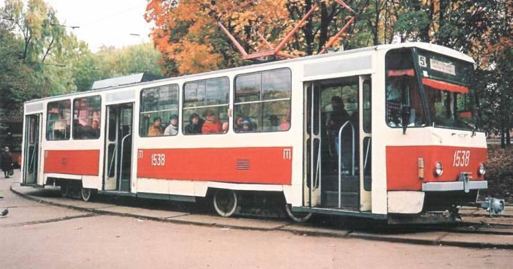 До сих пор на киевских улицах можно увидеть трамваи производства Tatra.