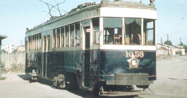 Четырехосный вагон М1.