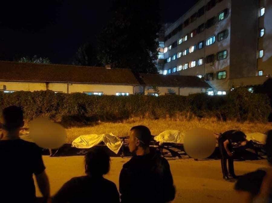 Жертвы пожара на улице возле больницы