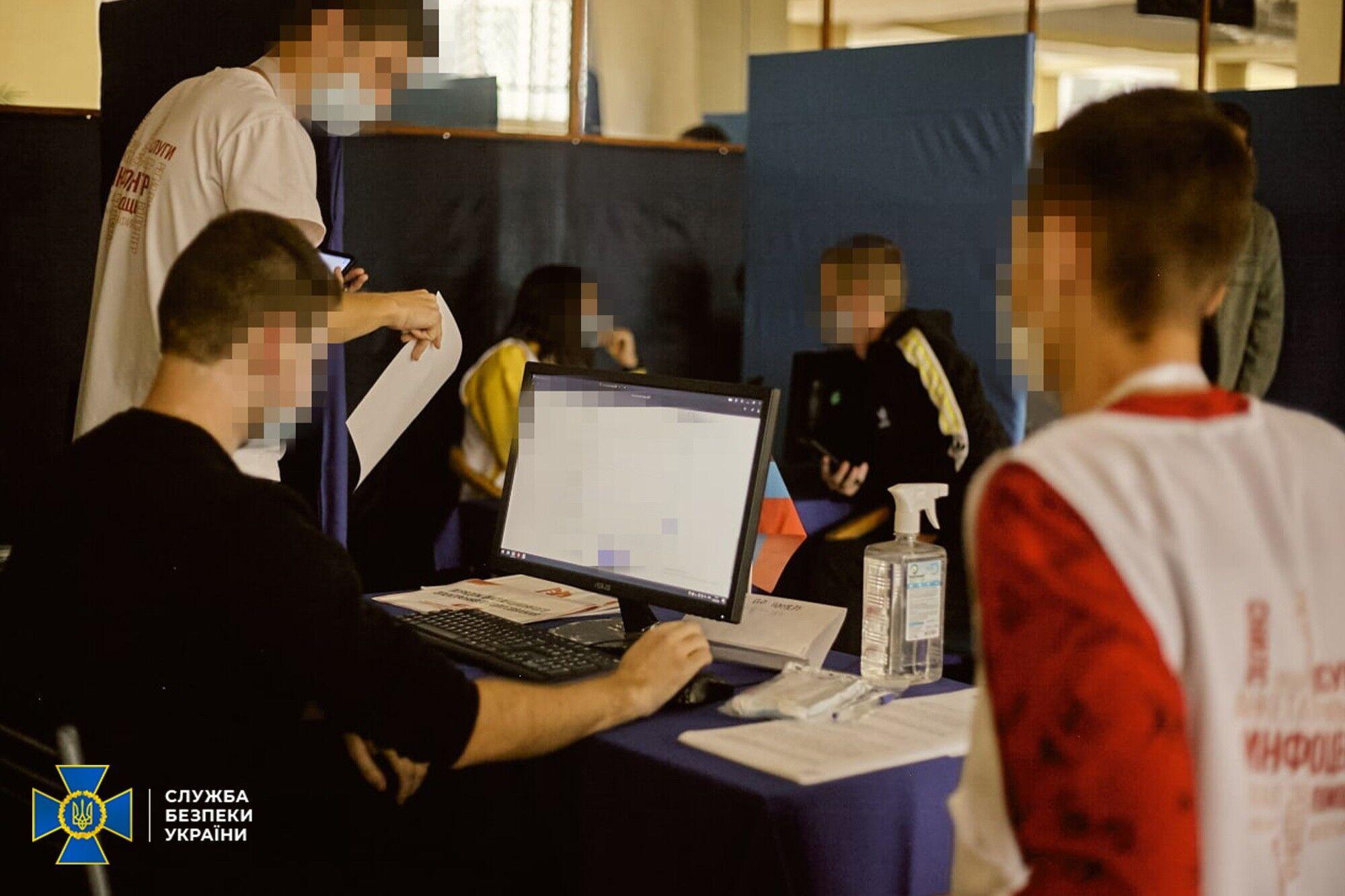 В ОРДЛО масово роздають російські паспорти