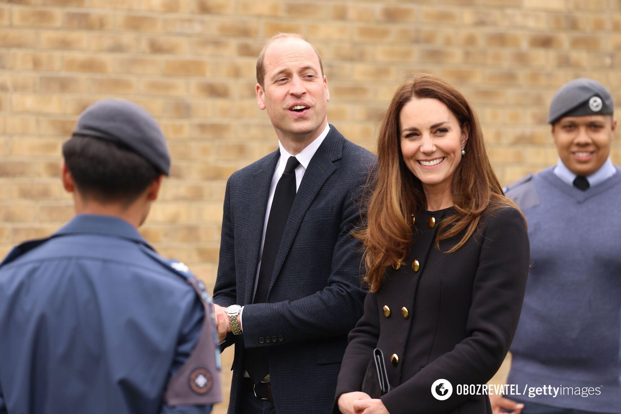 Кейт Миддлтон и принц Уильям познакомилась в 2001 году