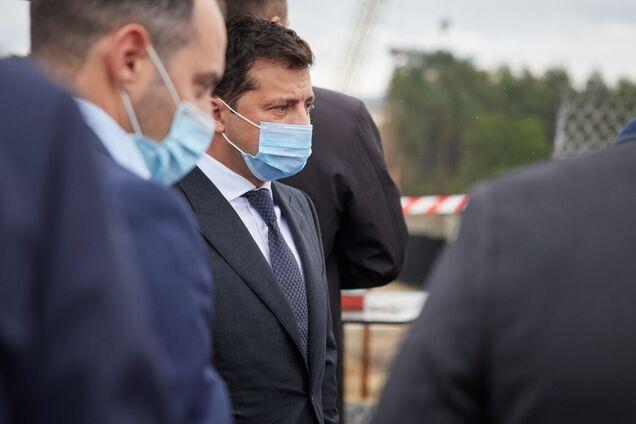 Зеленський заявив про 'політичний цирк' місцевої влади