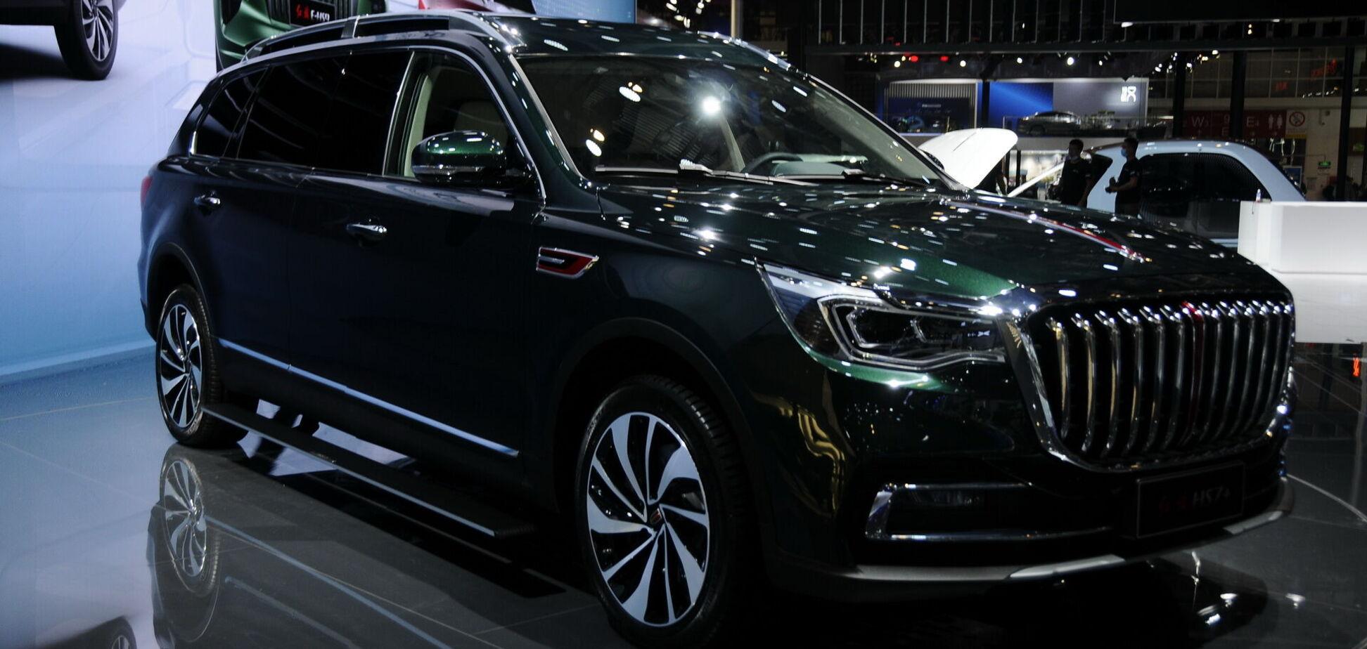 Китайцы показали очень длинный кроссовер с дизайном BMW X7 и VW Touareg