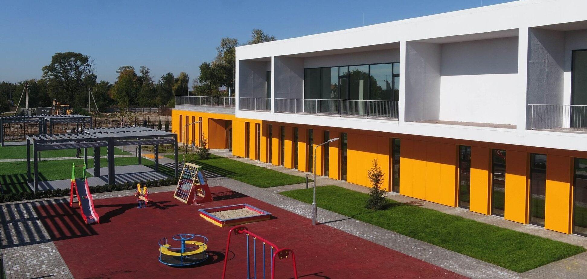 Два детских сада, построенных командой бывшего главы ОГА Валентина Резниченко, до сих пор остаются лучшими в стране
