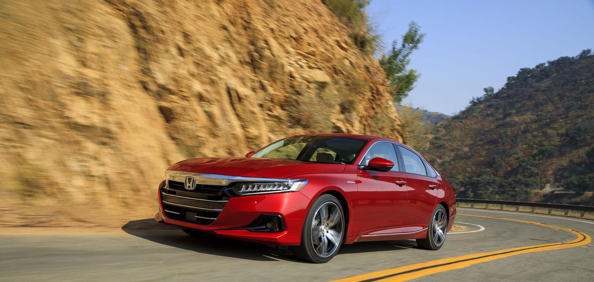 Honda Accord позбулася 'механіки' та отримала спортивну версію