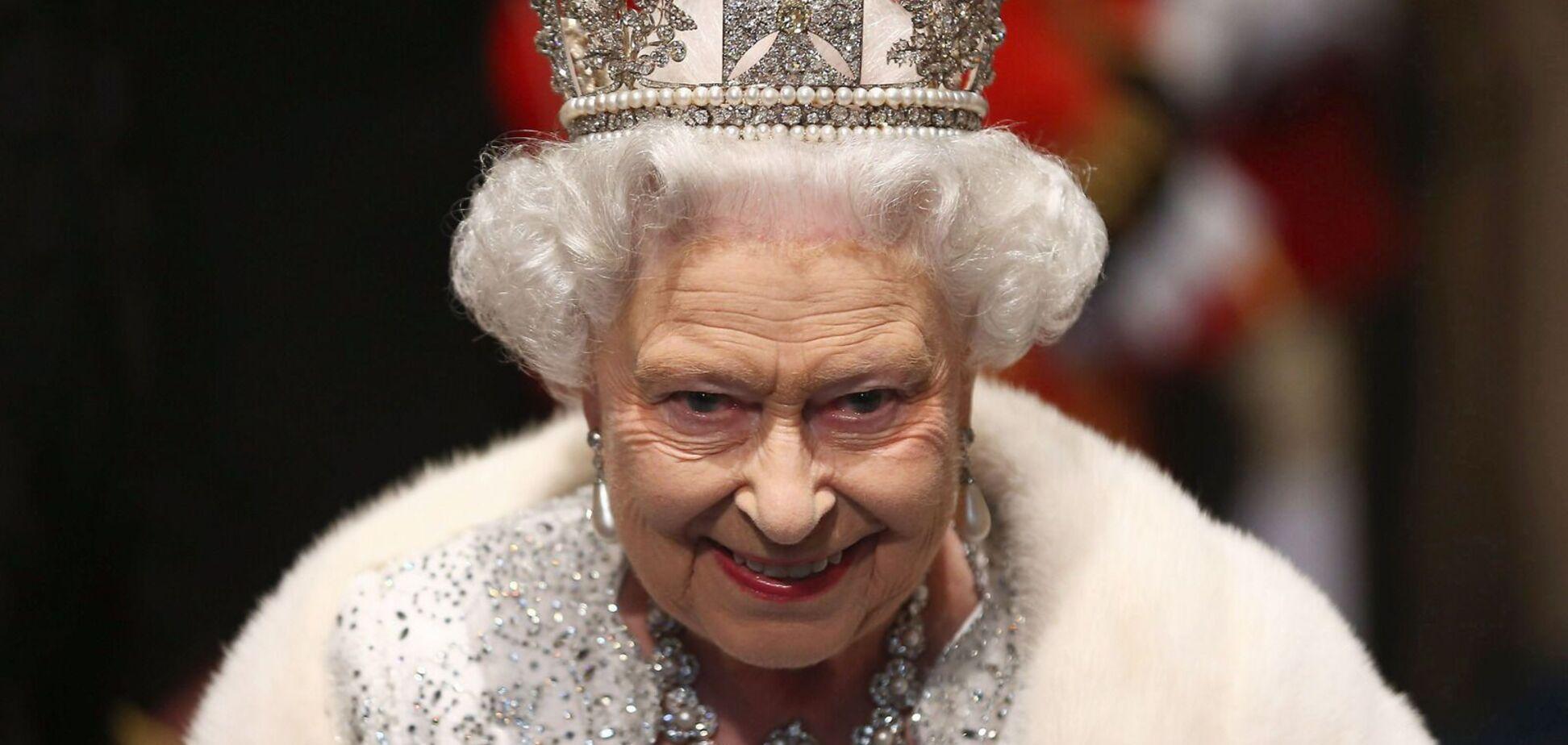 Королева Елизавета впервые за долгое время вышла на публику