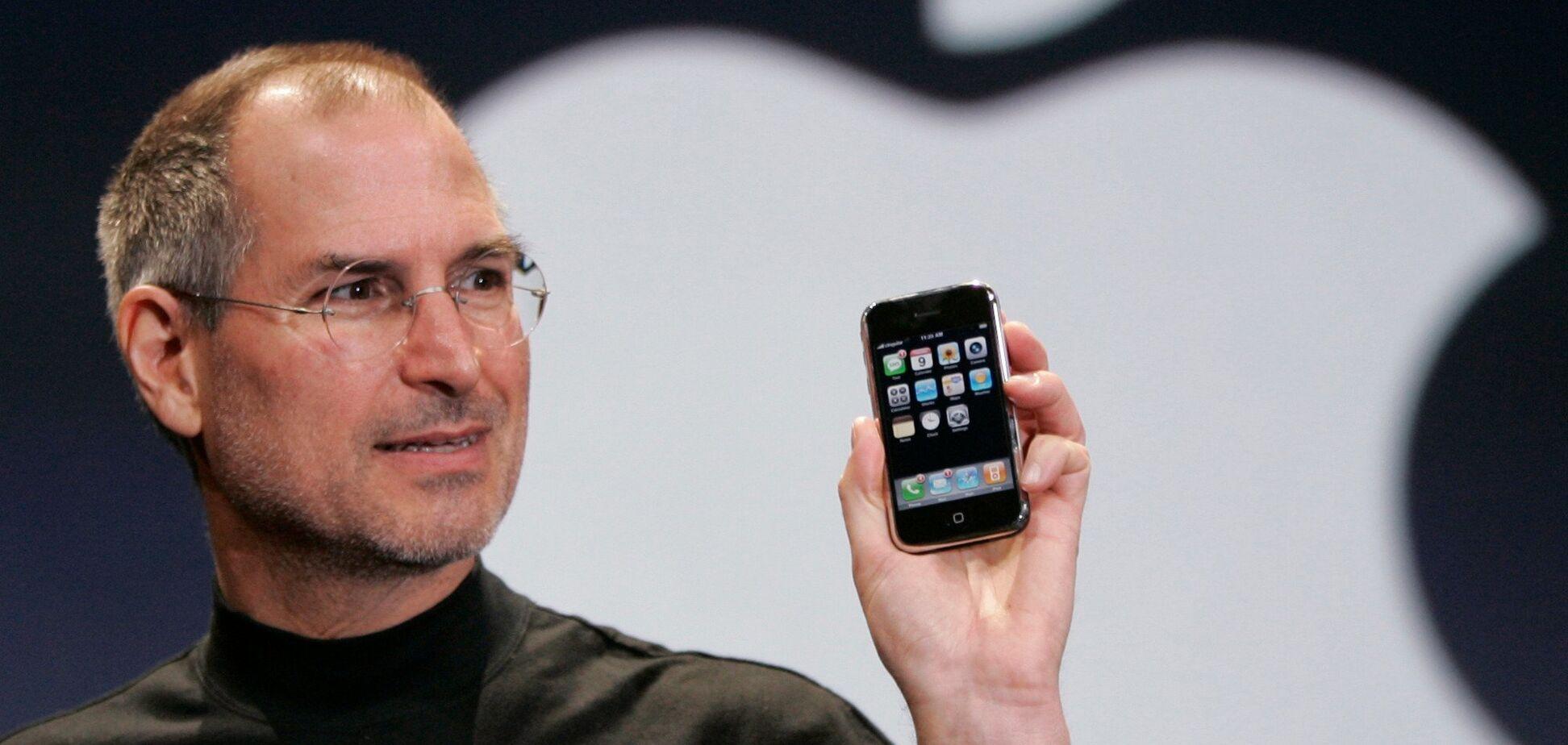 Стив Джобс известен миру как один из пионеров эры информационных технологий