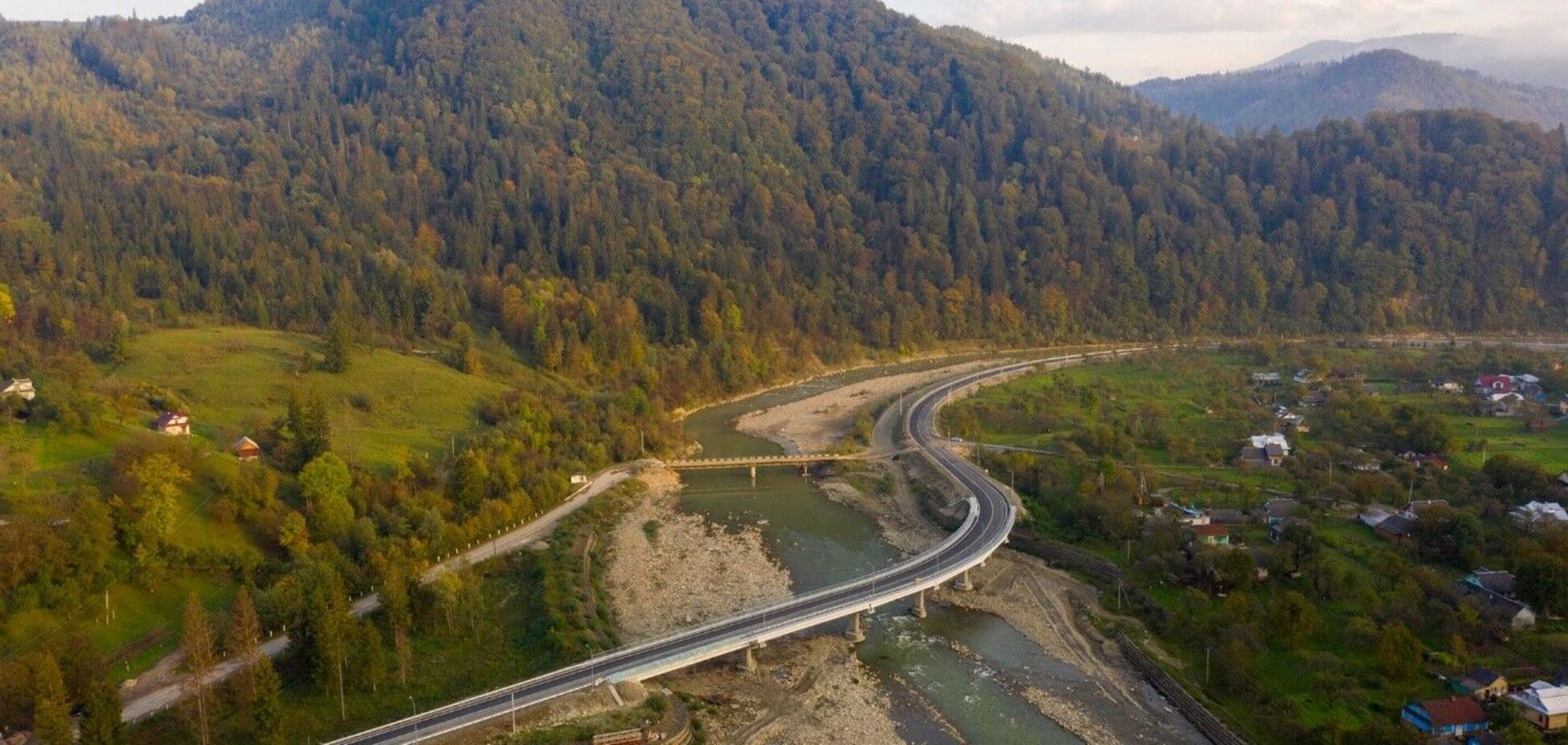 В Черновицкой области завершена реконструкция двух мостов через реку Черемош