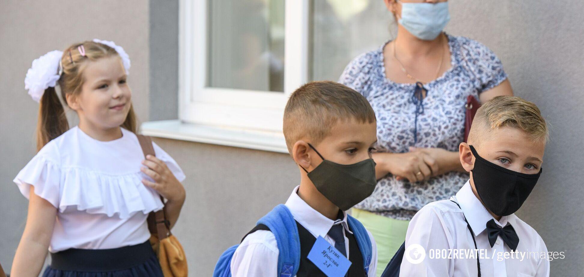 У Києві на COVID-19 захворіли майже 600 школярів і 450 педагогів