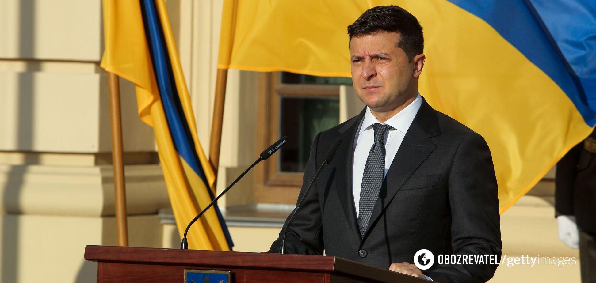Зеленский предложил спросить о легализации оружия и двойном гражданстве
