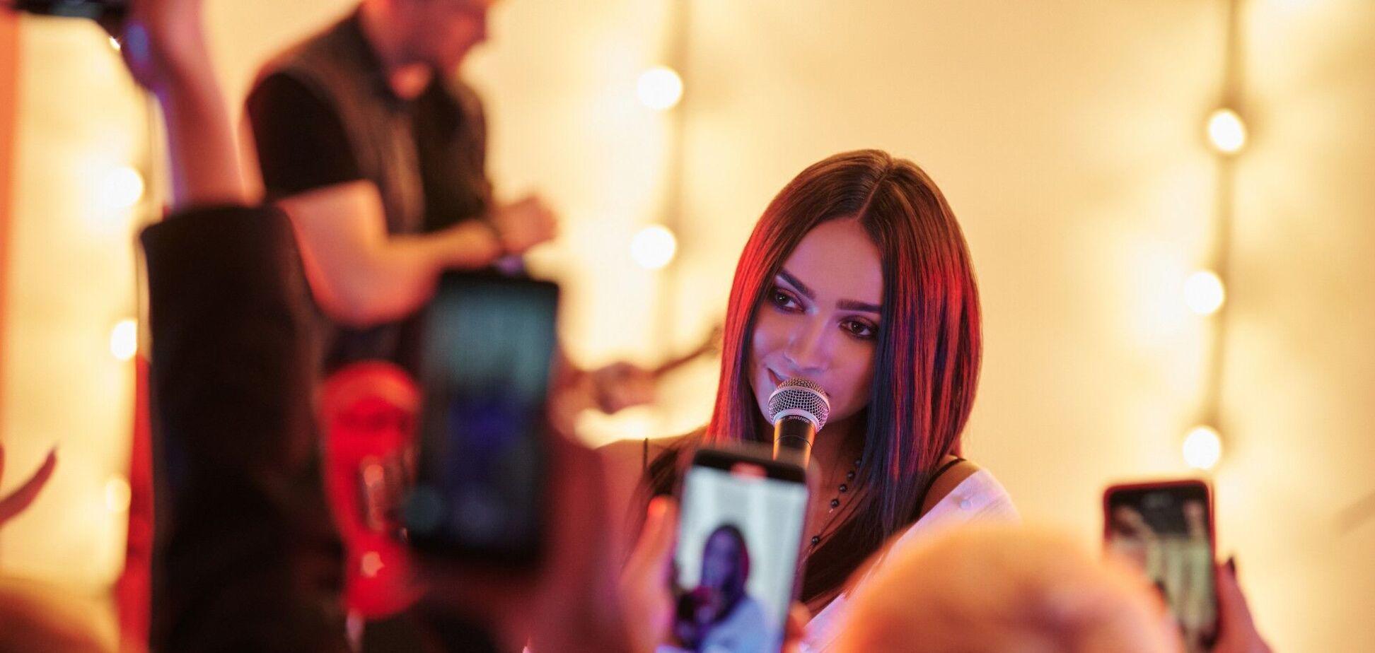 Катя Вандина  презентовала видео на песню 'Мама говорила'