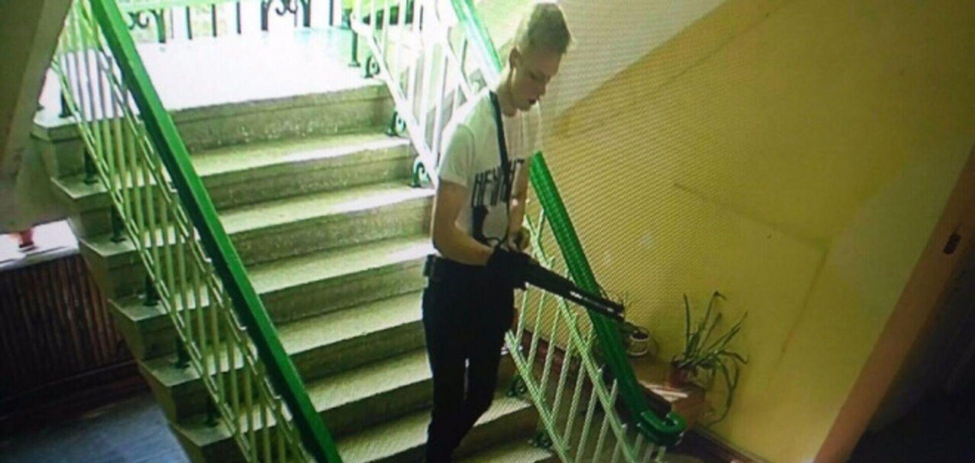 18-летний Владислав Росляков расстрелял студентов и сотрудников политехническом колледжа Керчи, а затем покончил с собой