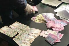 На Дніпропетровщині чиновника митниці запідозрили в мільйонному зловживанні