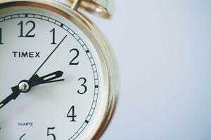 25 октября стрелки часов нужно будет перевести на час назад
