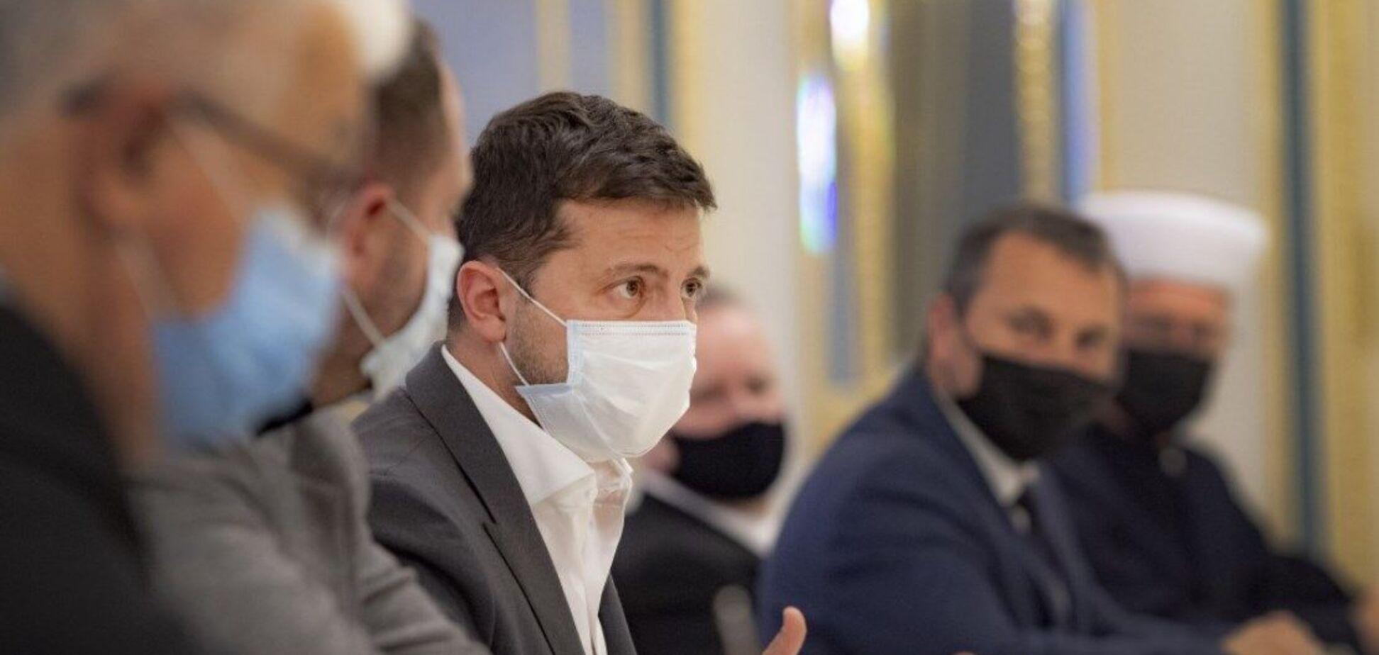 Зеленский обсудил ситуацию с коронавирусом с ВСЦиРО