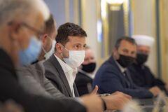 Зеленський обговорив ситуацію щодо коронавірусу з ВРЦіРО