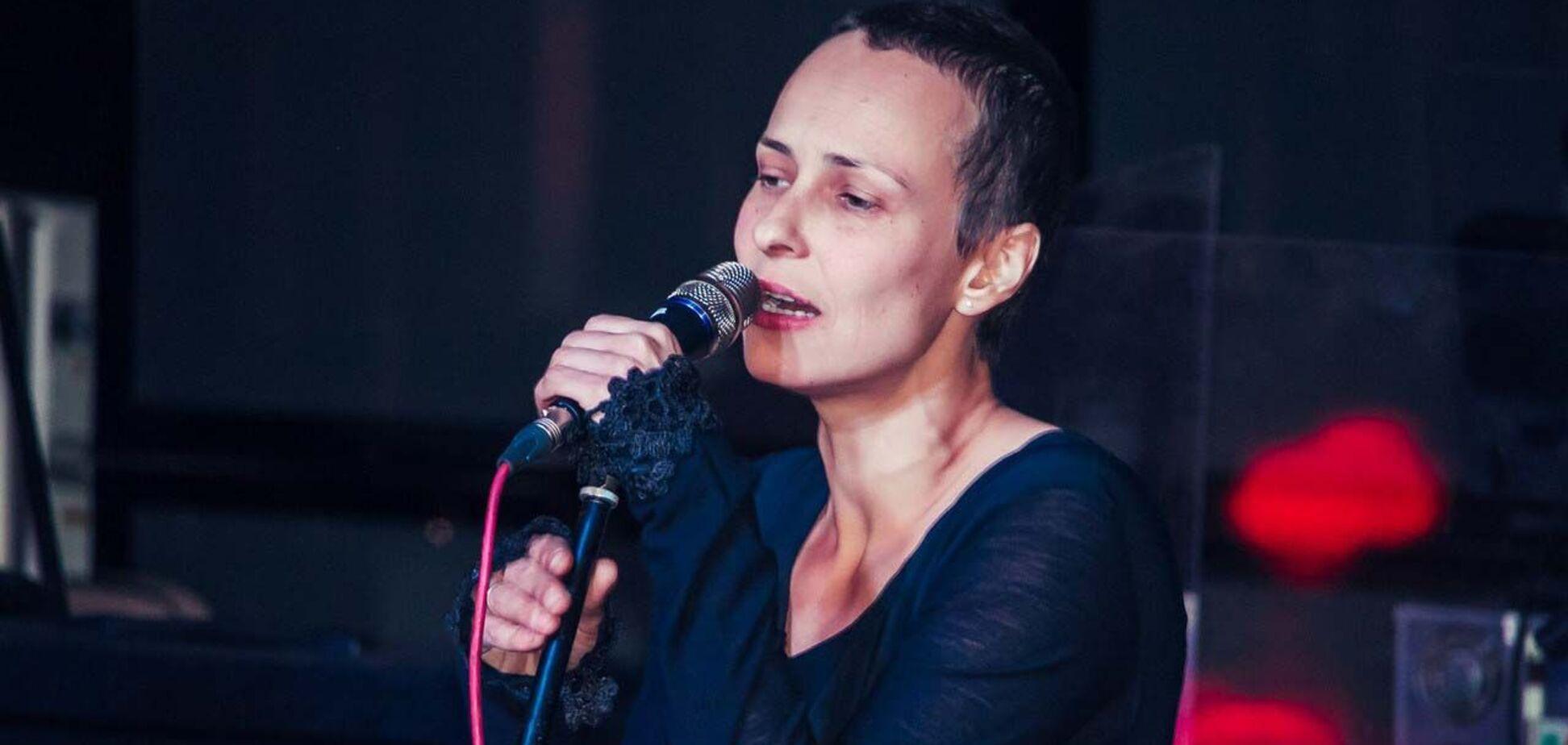 Юлія Чичеріна заспівала на передовій у Карабасі