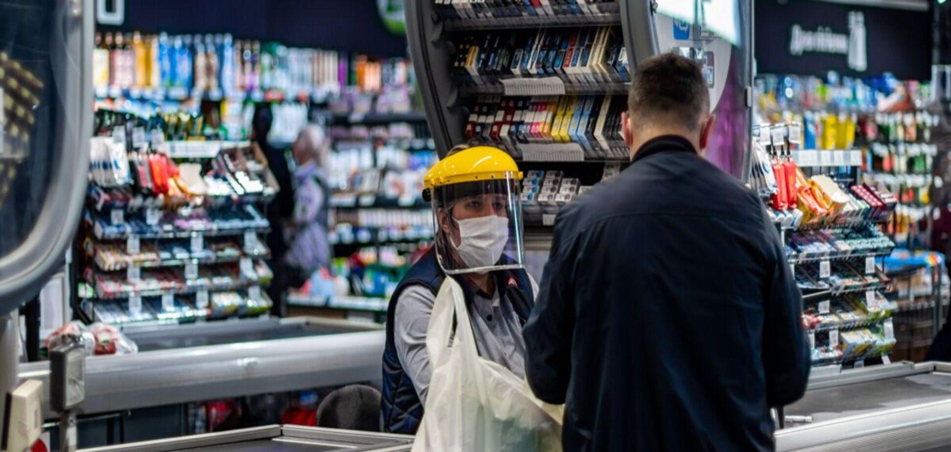 В Мариуполе в супермаркете устроили скандал из-за маски