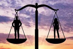 Социально-экономический оптимум: где же 'золотое сечение'?