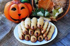 Печенье 'Пальчики ведьмы' на Хэллоуин